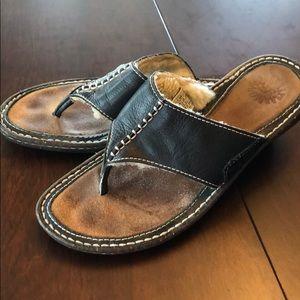 Ugg sandals 11